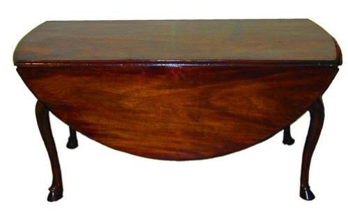 An 18th Century English Mahogany Drop Leaf Table No. 1675