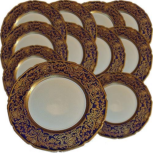 A Set of Eleven Royal Doulton Dinner Plates No. 2323