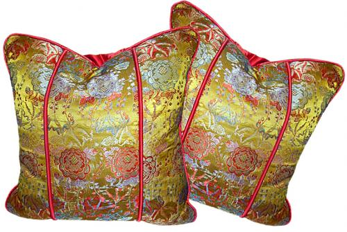 An Exquisite Pair of Silk Throw Pillows No. 510