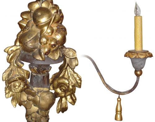 An 18th Century Italian Ebonized, Giltwood and Iron 6-Light Chandelier No. 3251