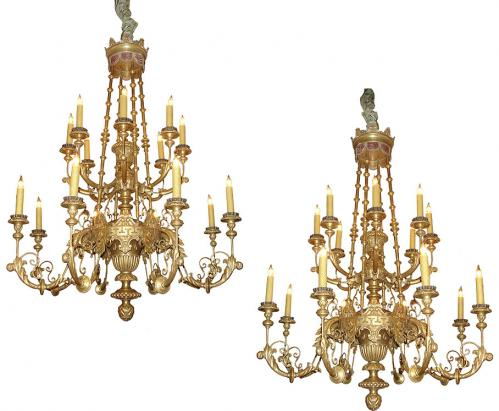A Pair of Italian 19th Century 18-Light Polychrome and Giltwood Chandeliers, 3390