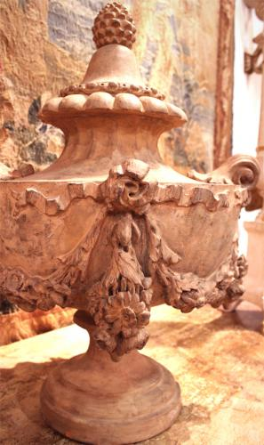 An Early 19th Century Florentine Terra Cotta Urn Finial No. 3587