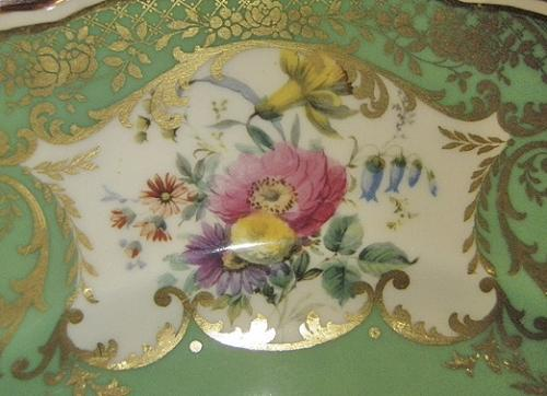 A Set of Twelve Early 20th Century Royal Doulton Dinner Plates No. 3759