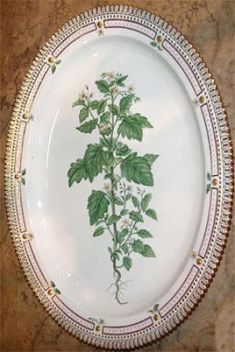 A Small Early 20th Century Flora Danica Serving Platter No. 3892