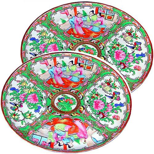 A Pair of 19th Century Chinese Famille Rose Plates No. 1141