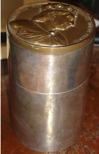 An Unusual 19th Century English Cylindrical Silver Cigarette Case No. 884