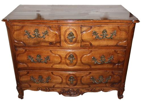 An 18th Century Walnut French Régence Transitional to Louis XV Three-Drawer Commode No. 4362