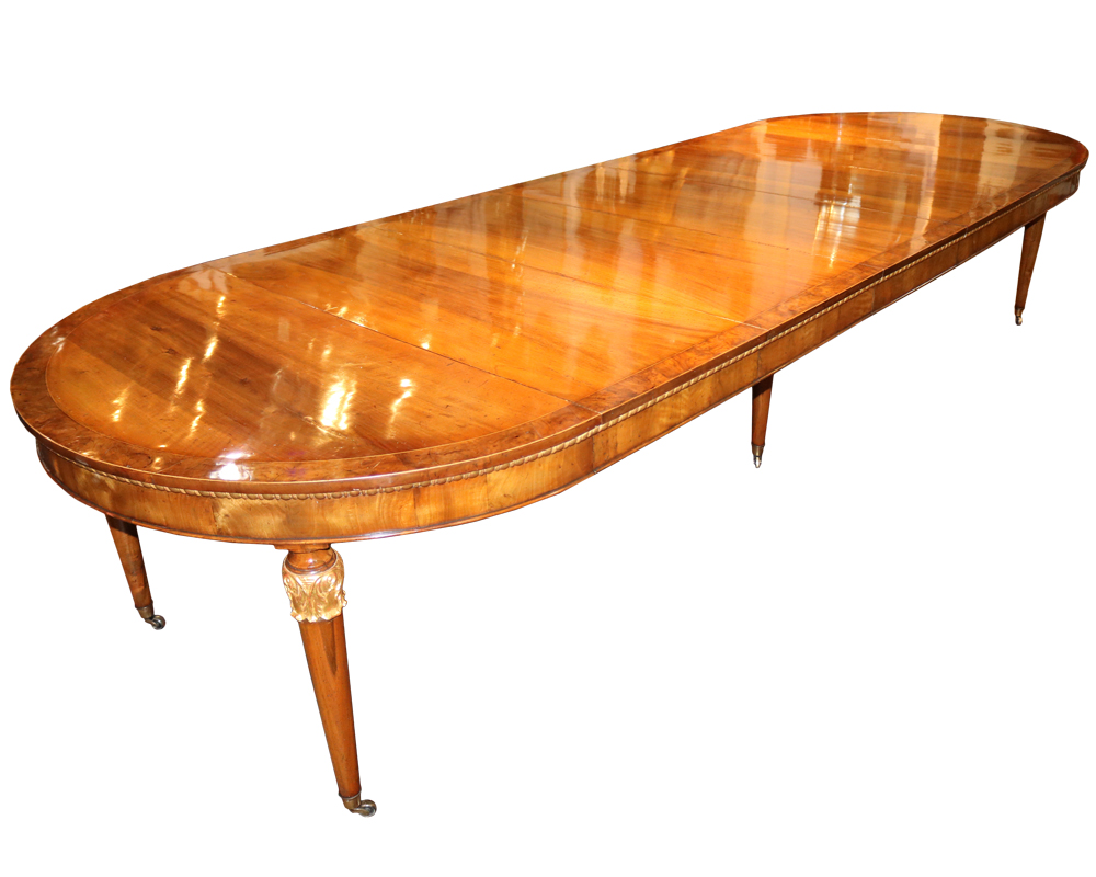 An 18th Century Italian Parcel-Gilt Walnut Expanding Dining Table No. 4709
