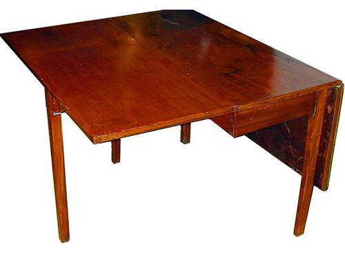 A 19th Century English Mahogany Drop-Leaf Table No. 858