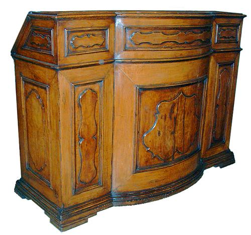 A Very Fine 17th Century Tuscan Walnut Bureau Milieu No. 2487