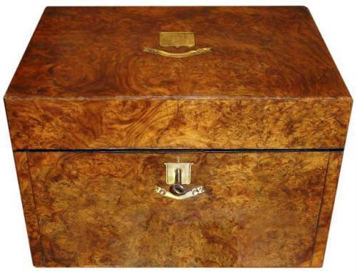 An Elegant 19th Century English Burl Wood Travel Box No. 3505