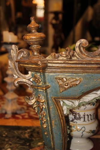 An 18th Century Italian Polychrome and Silvered Giltwood and Glass Rococo Vitrine No. 3705