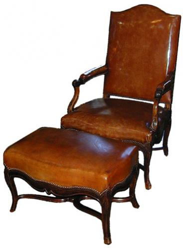 A Handsome 18th Century Régence Walnut Armchair With Matching Ottoman No. 2281