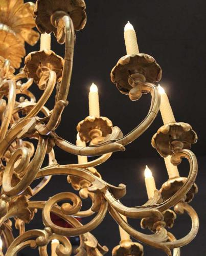 An 18th Century Resplendent Giltwood 16-Light Florentine Palazzo Chandelier No. 3921