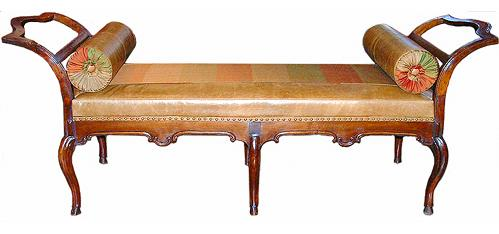 A Sophisticated 18th Century Italian Walnut Louis XV Daybed No. 2496