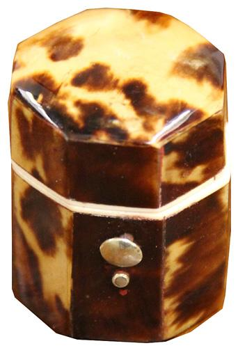 An Early to Mid 19th Century Tortoiseshell Thimble Case No. 4233