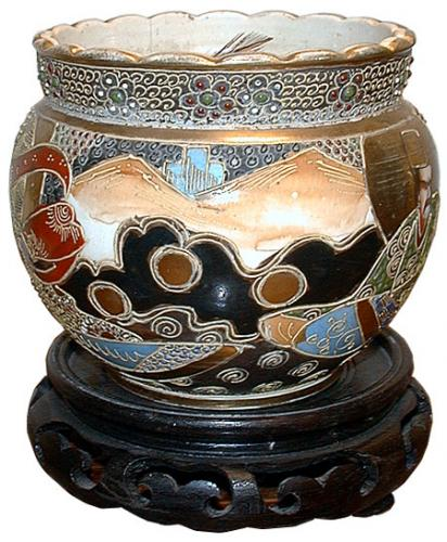 A 19th Century Hand-Painted Japanese Bowl No. 1075
