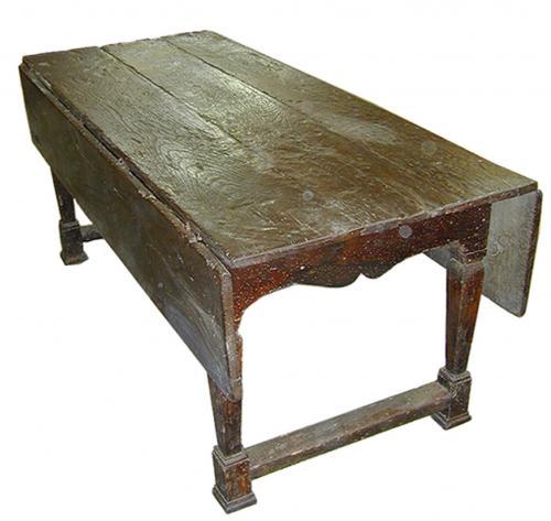 A Fine 17th Century Italian Ash Wood Drop Leaf Table No. 1788