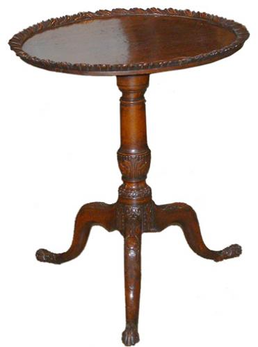 A Well-Patinated 18th Century Irish Mahogany Tilt-Top Side Table No. 2551