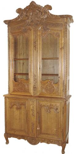 A Fine 18th Century French Louis XV Carved Oak Buffet a' deux Corps 434