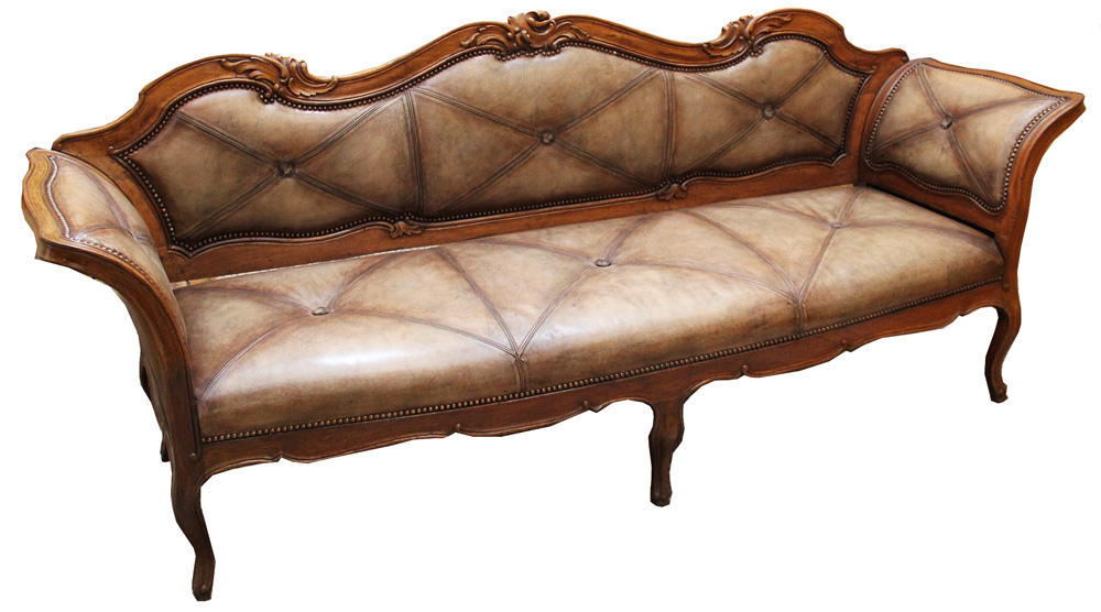An 18th Century Italian Walnut Canape No. 4398