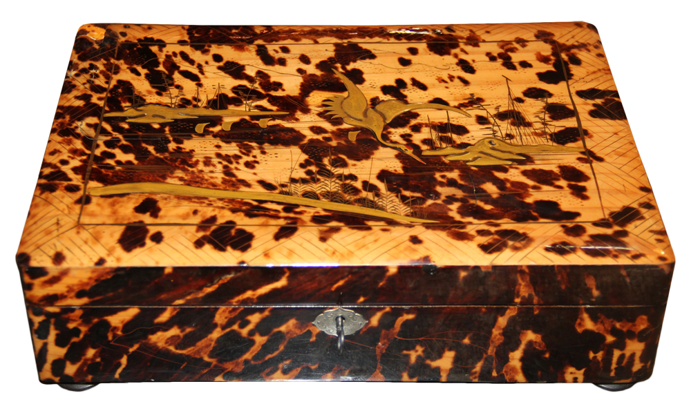 A 19th Century Japanese Tortoiseshell Box No. 4622