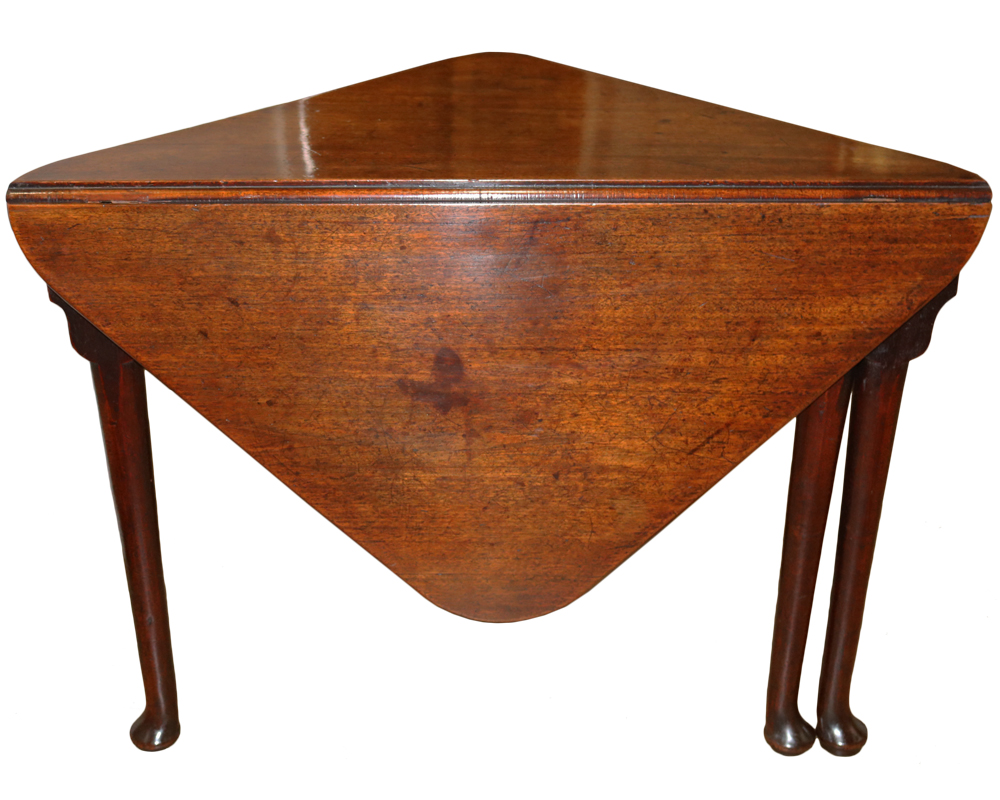 An Unusual Early 18th Century Queen Anne Heavily Patinated Mahogany Envelope Table No. 4697