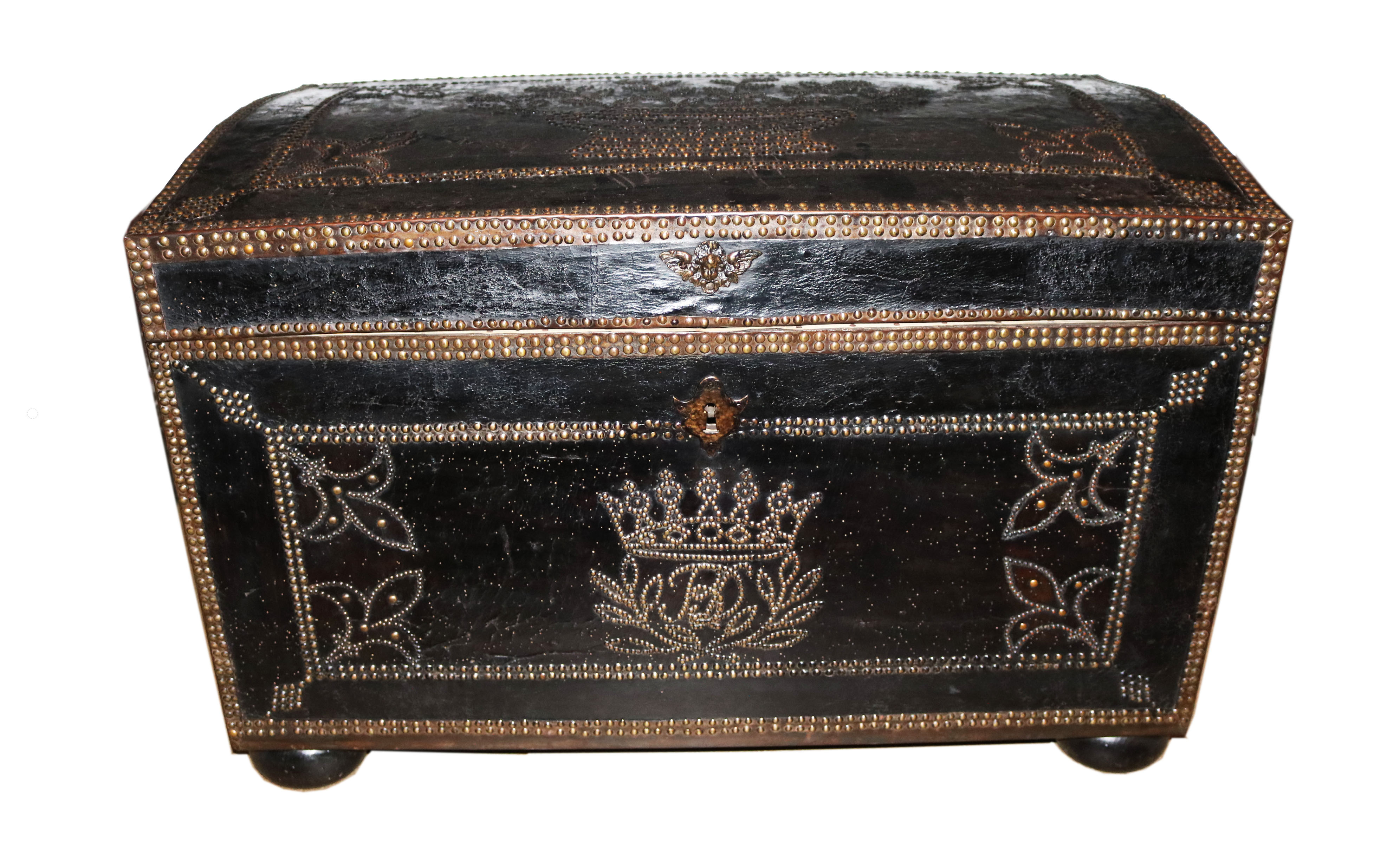 A Sizable 18th Century English Leather Bound Trunk No. 4762